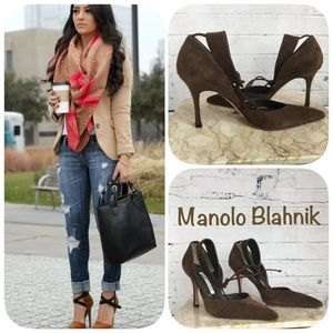 MANOLO BLAHNIK ITALIAN LEATHER SUEDE PUMPS
